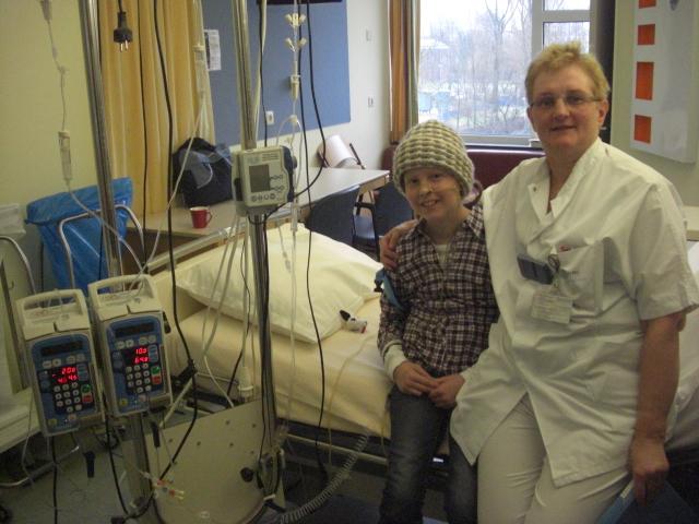 Samen met de verpleging op de foto nadat Eva weer On-line was, alle lijntjes waren weer aangesloten